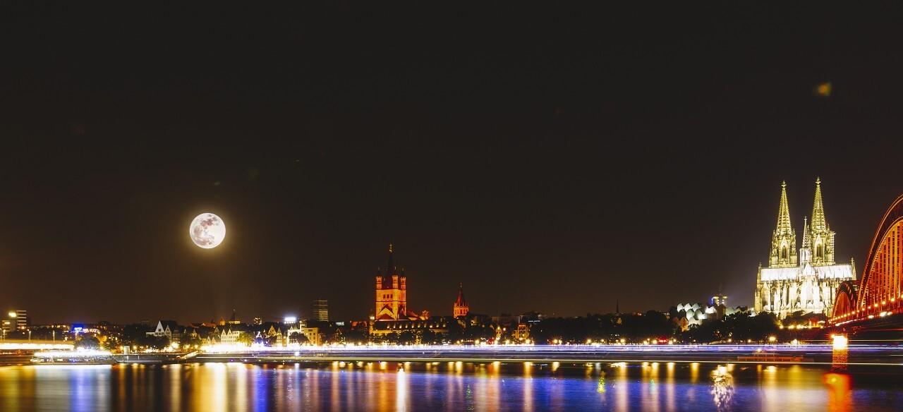 cologne rhine promenade at night