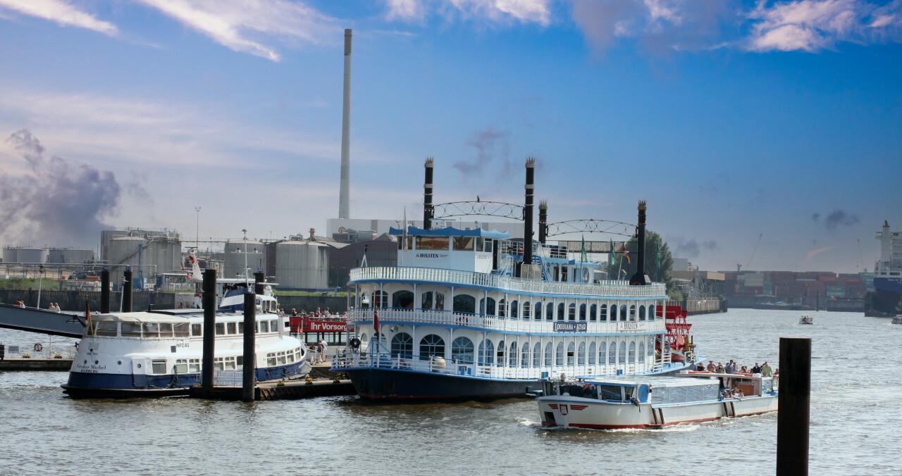 Steamship on the Elbe