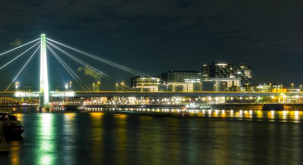 cologne bridge at night - Severinsbrücke / Severinsbridge