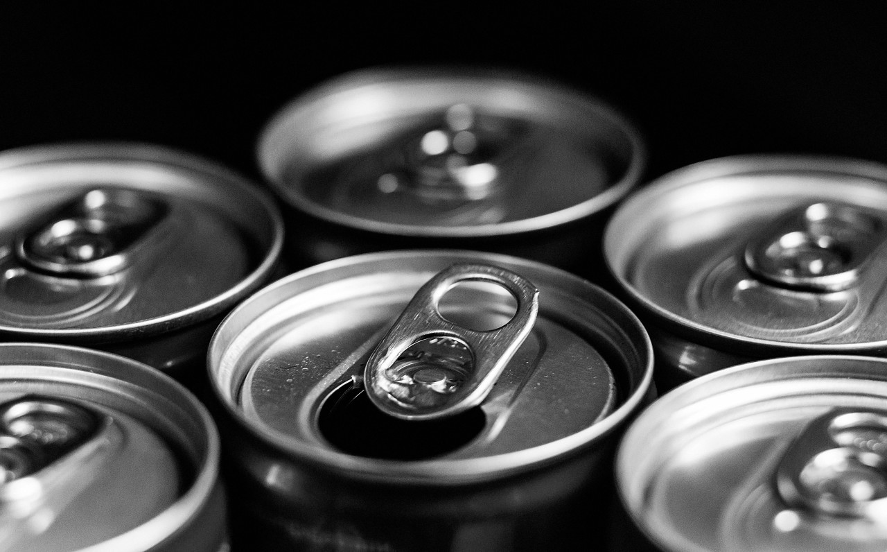 soft drink cans, energy drink can, trash, drinks