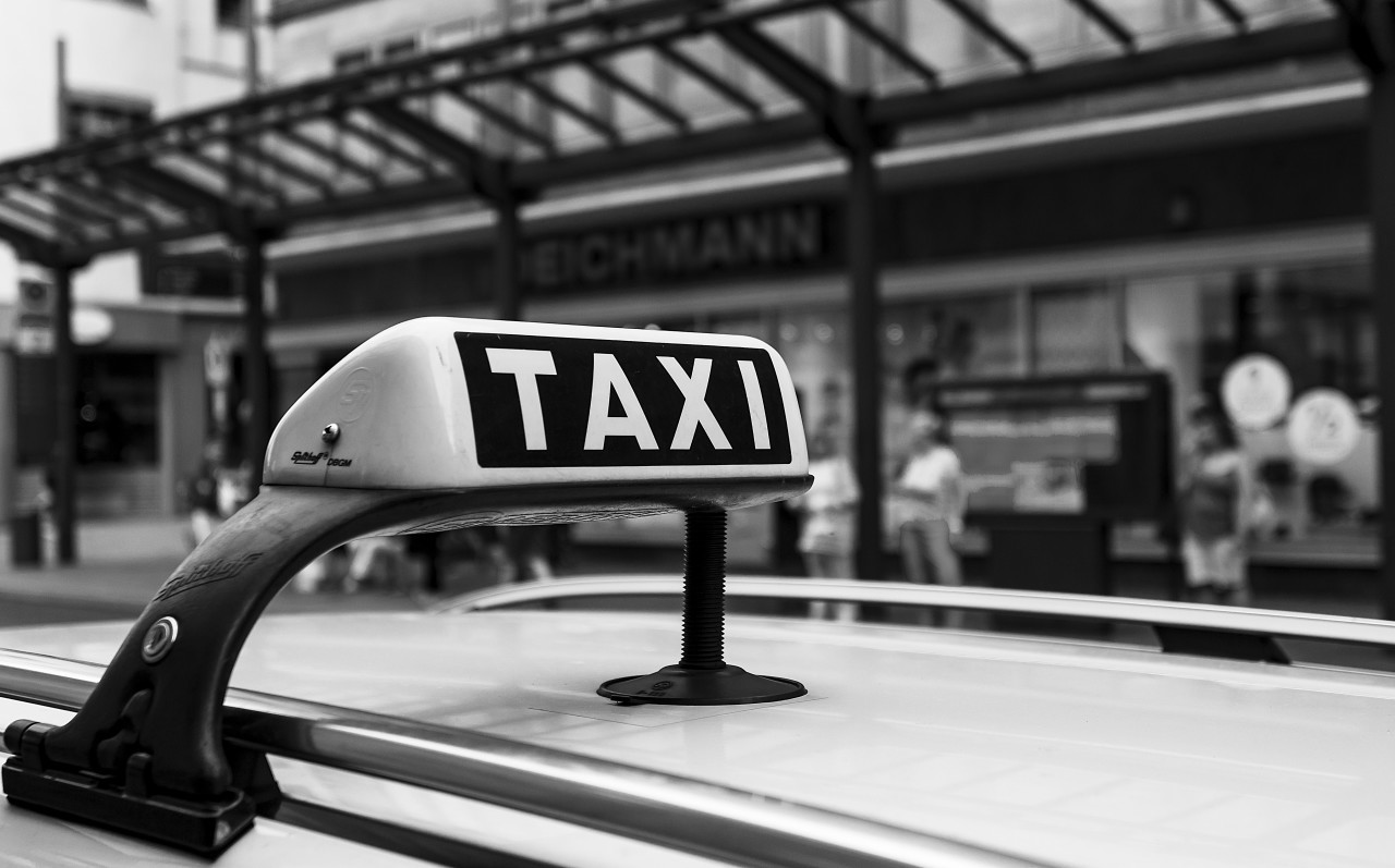 taxi black and white