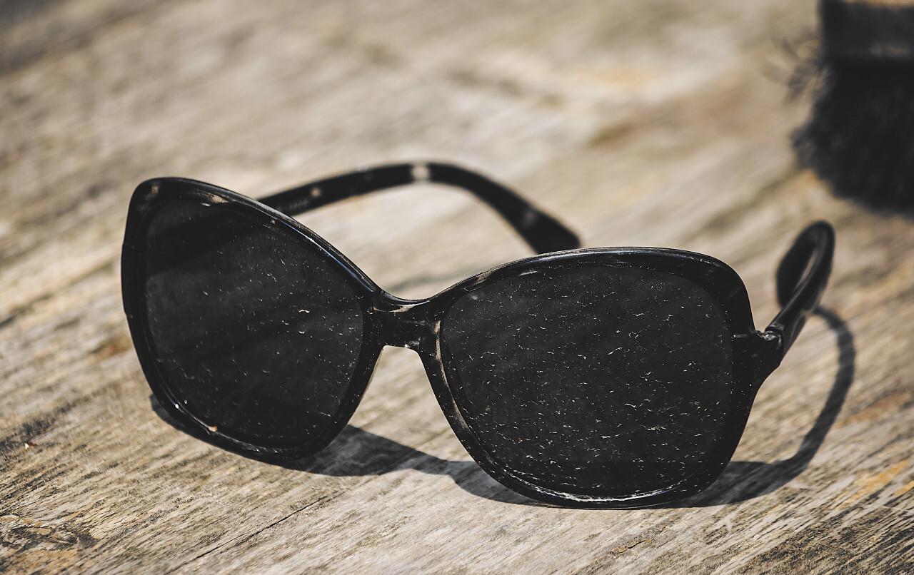 dirty sunglasses