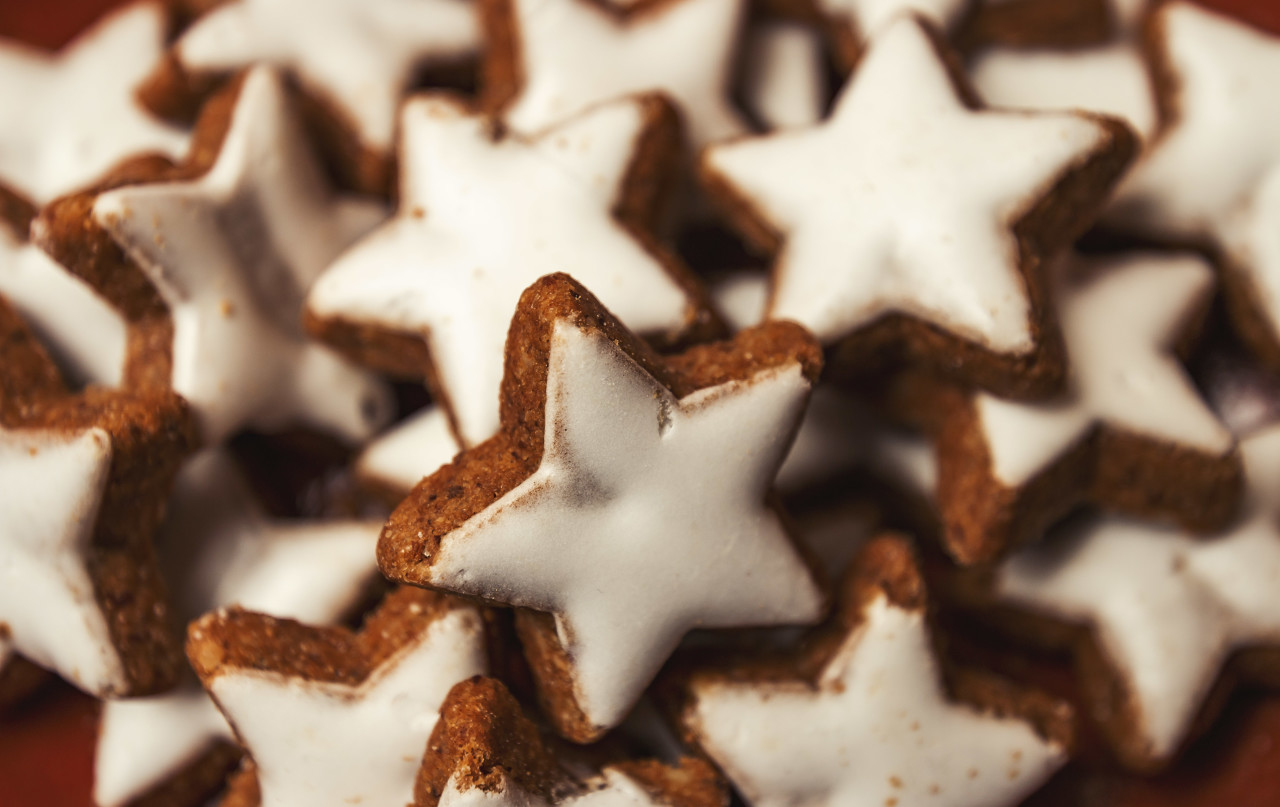 cinnamon biscuit stars