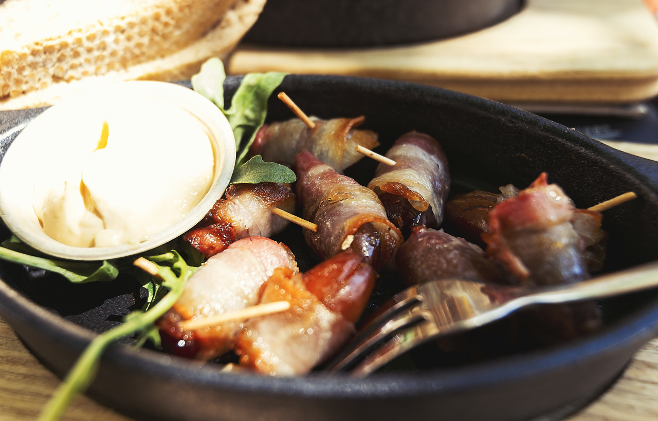 bacon wrapped dates aioli dip