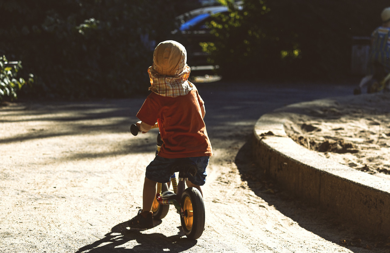 little kid with scooter