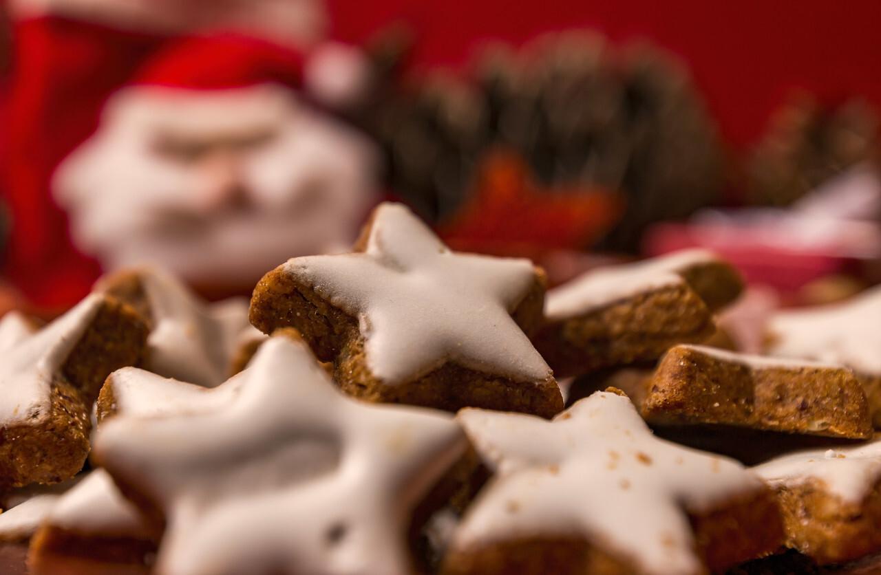 cinnamon biscuits stars