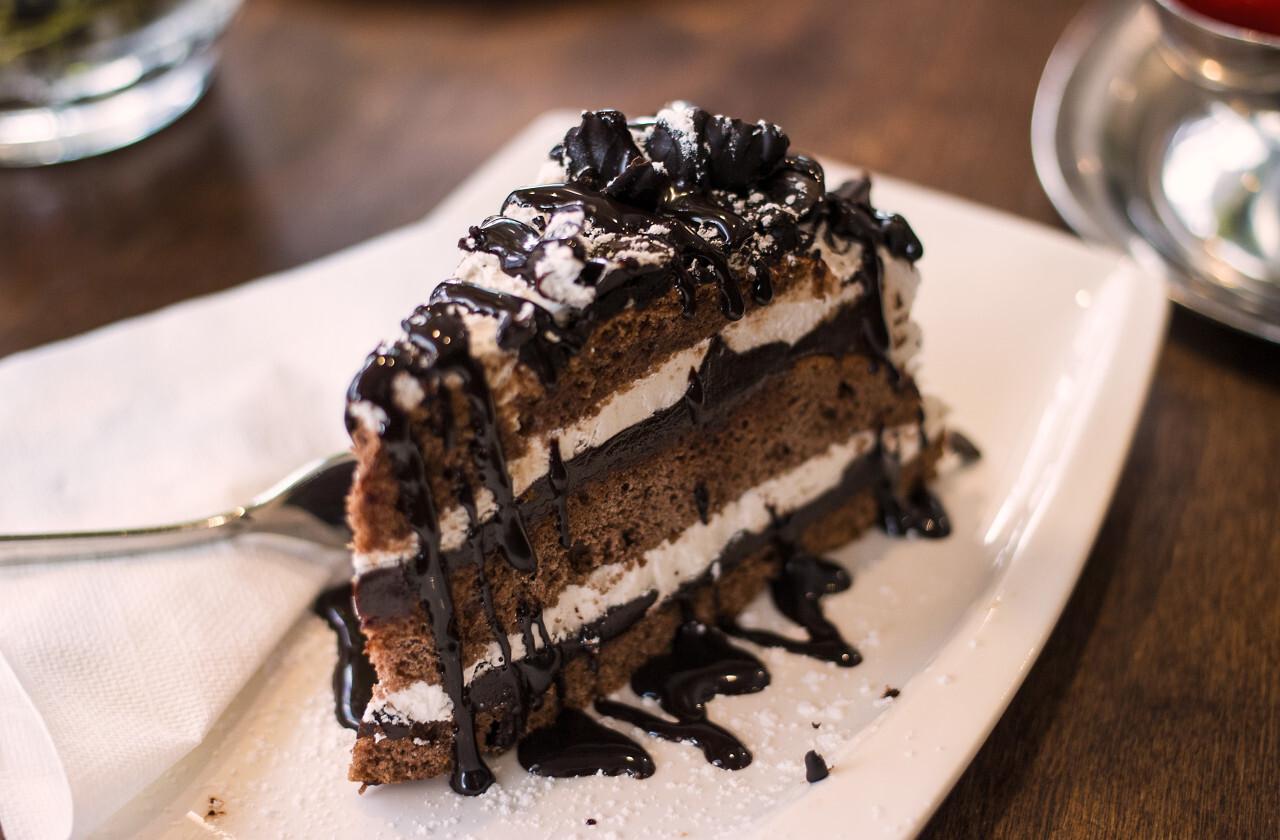 sweet italian chocolate cream cake
