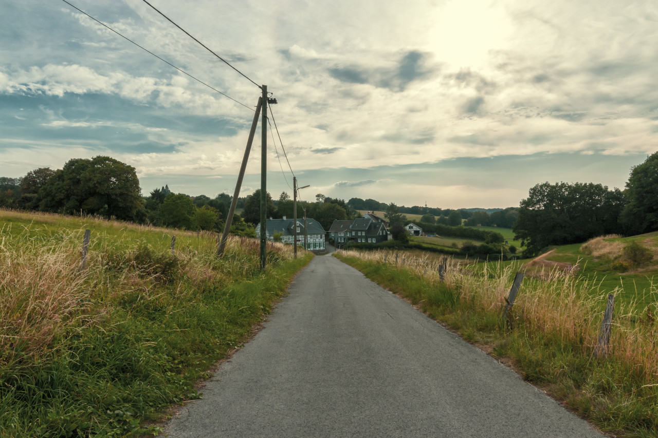 countryroad to a farm 12 9 19