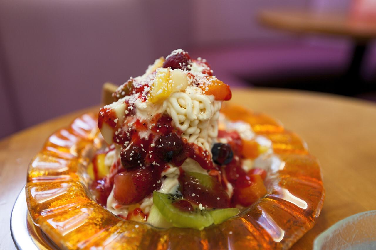 spaghetti ice cream with fruits