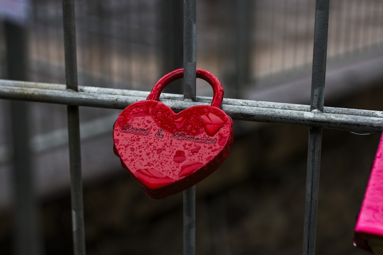 red heart love padlock
