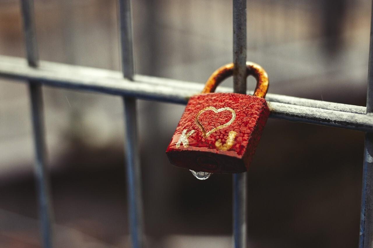 rusty love padlock
