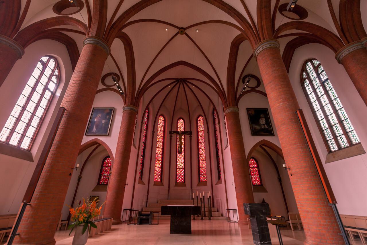 sacred heart church lubeck interior