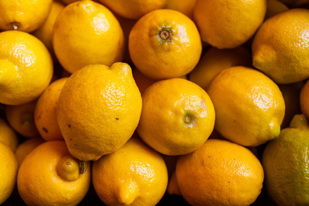 yellow lemon background