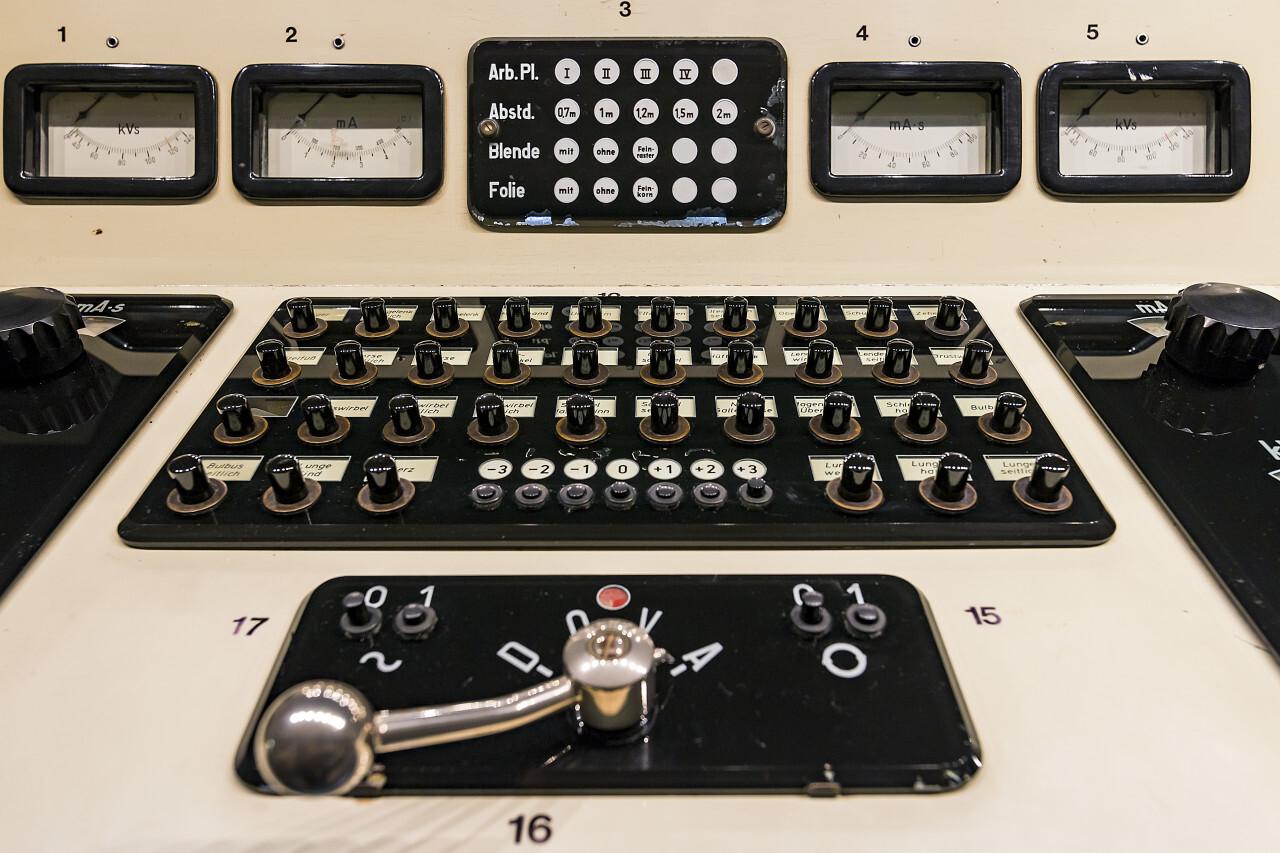 vintage control panel x ray