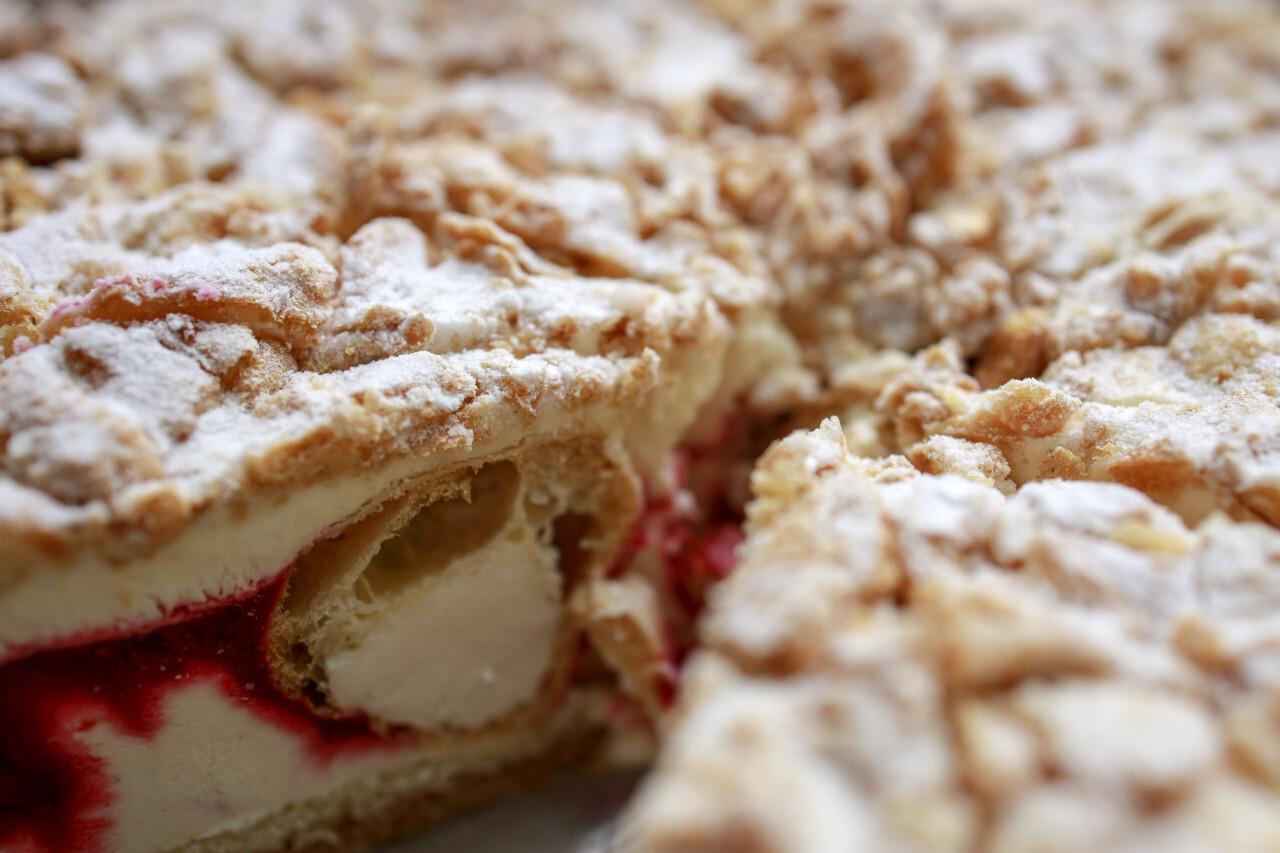 Cream puff Cream Cake