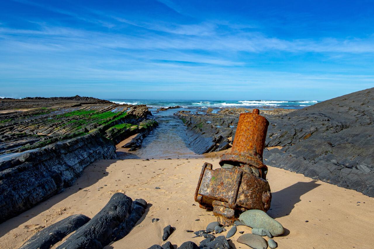 Praia de Monte Clerigo by Aljezur in Portugal pollution