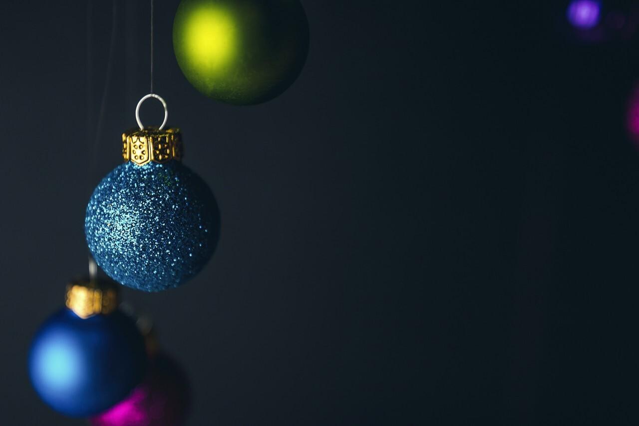 christmas tree balls blue