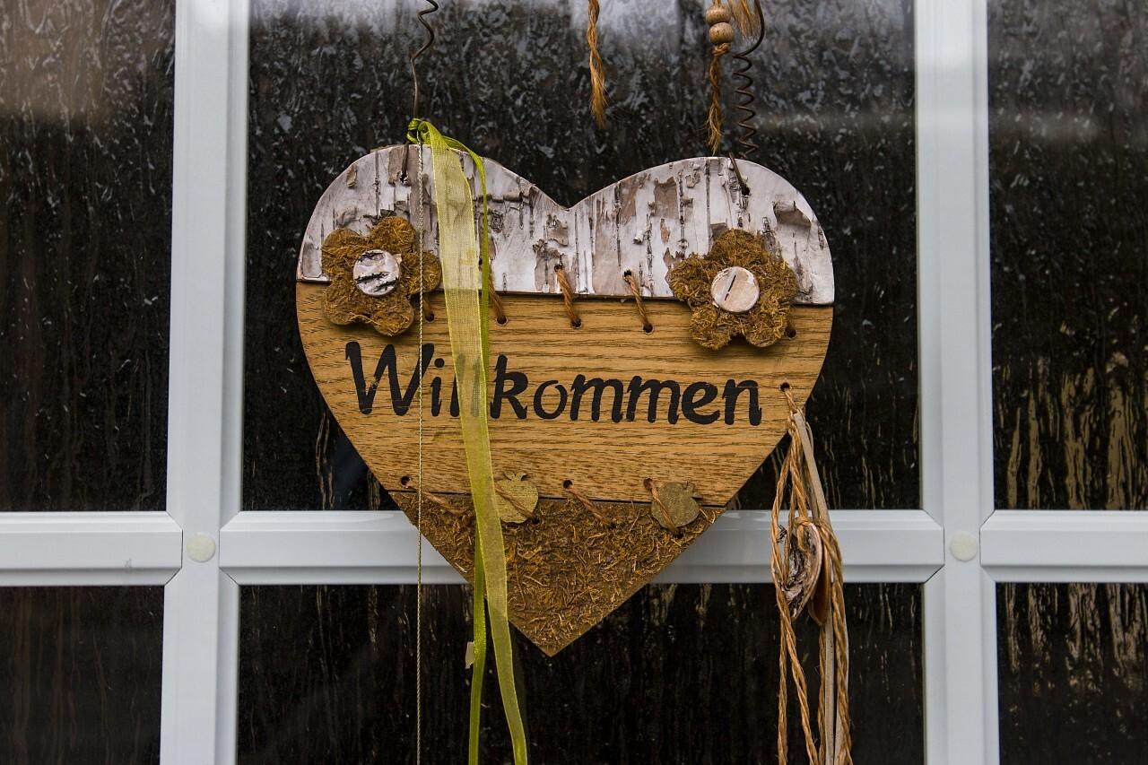 """german """"willkommen"""" welcome heart"""