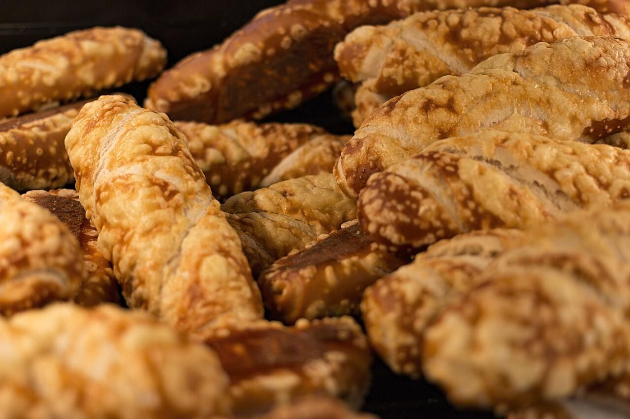 bakery cheese laugenstangen