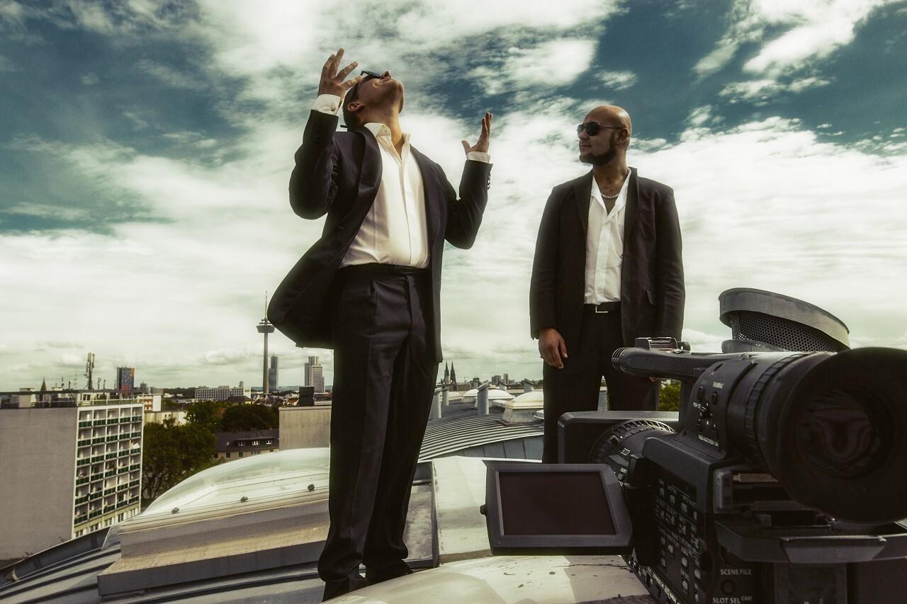 Businessmen do video blogging