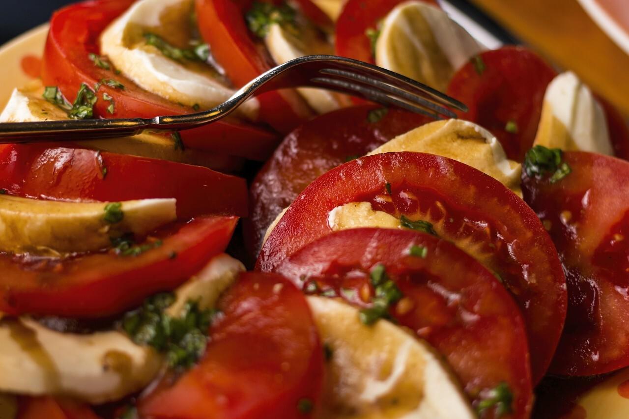 Tomato and Mozarella Caprese Salad