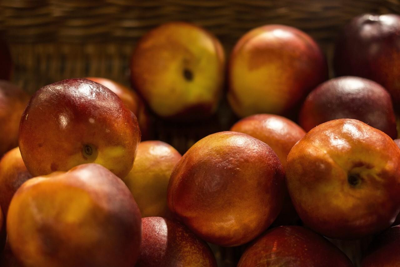 nectarines market