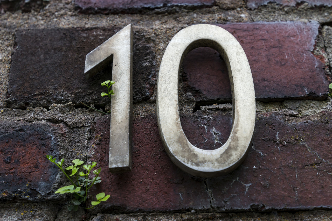 number 10 on a old wall