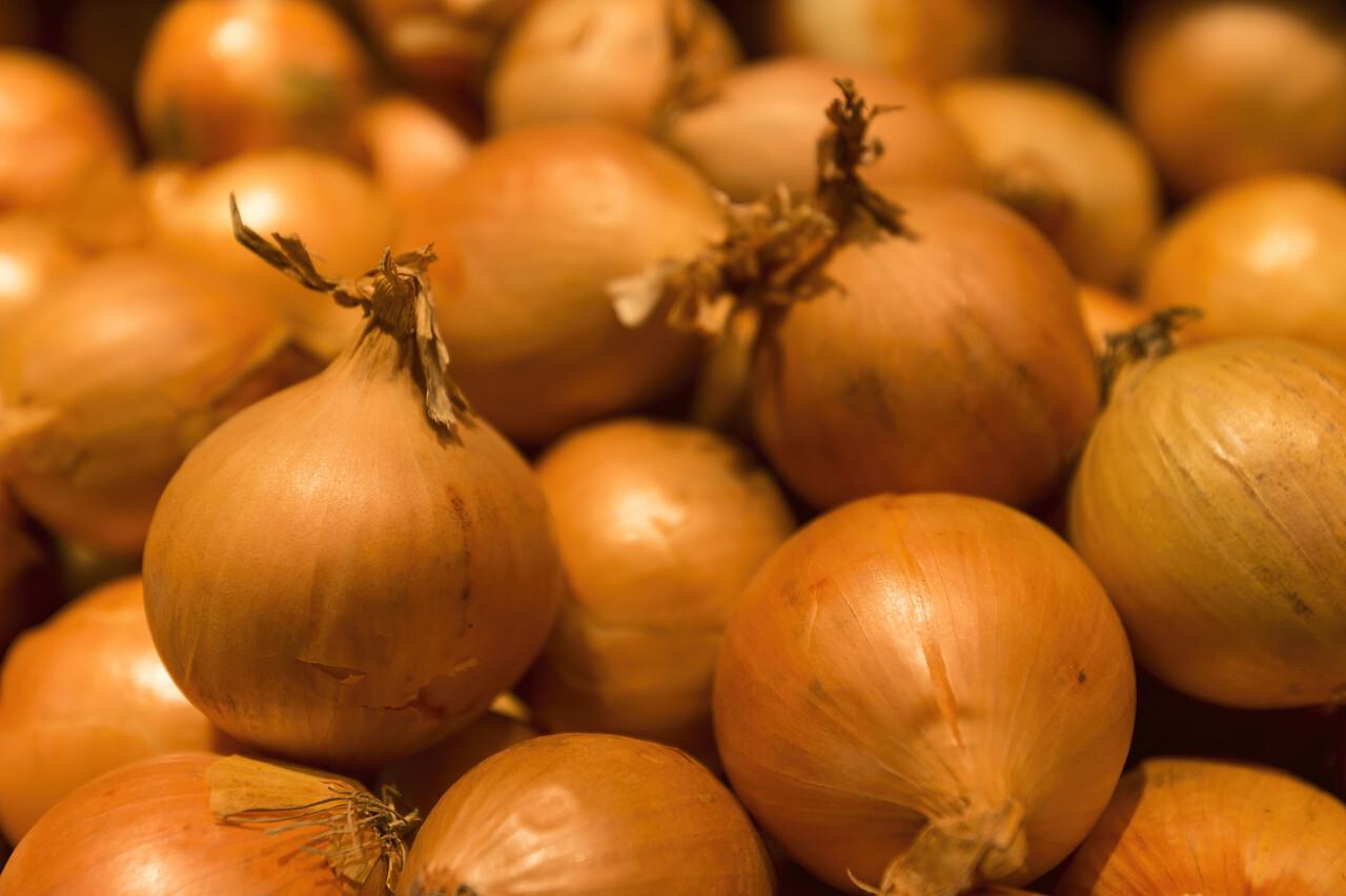 Fresh whole onions