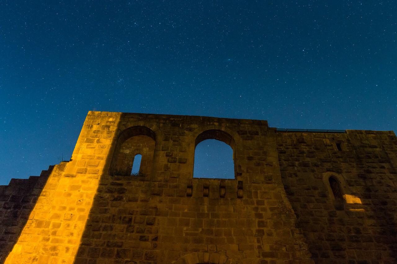Kaiserpfalz in Gelnhausen (Hessen) at night under stars