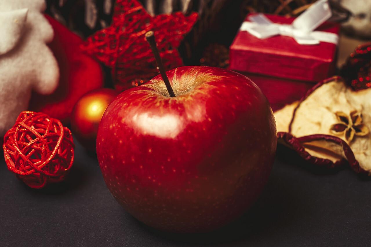 red christmas apple