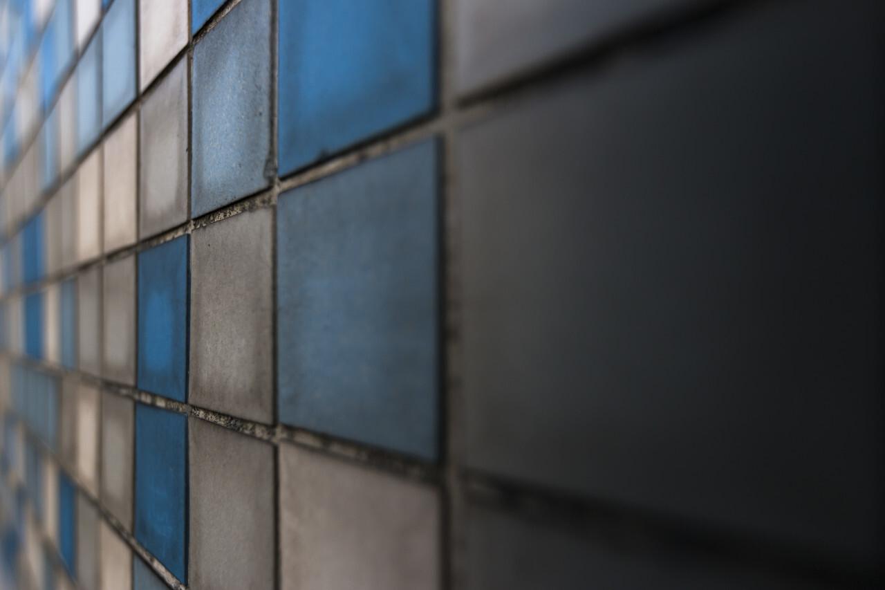 blue white tiles