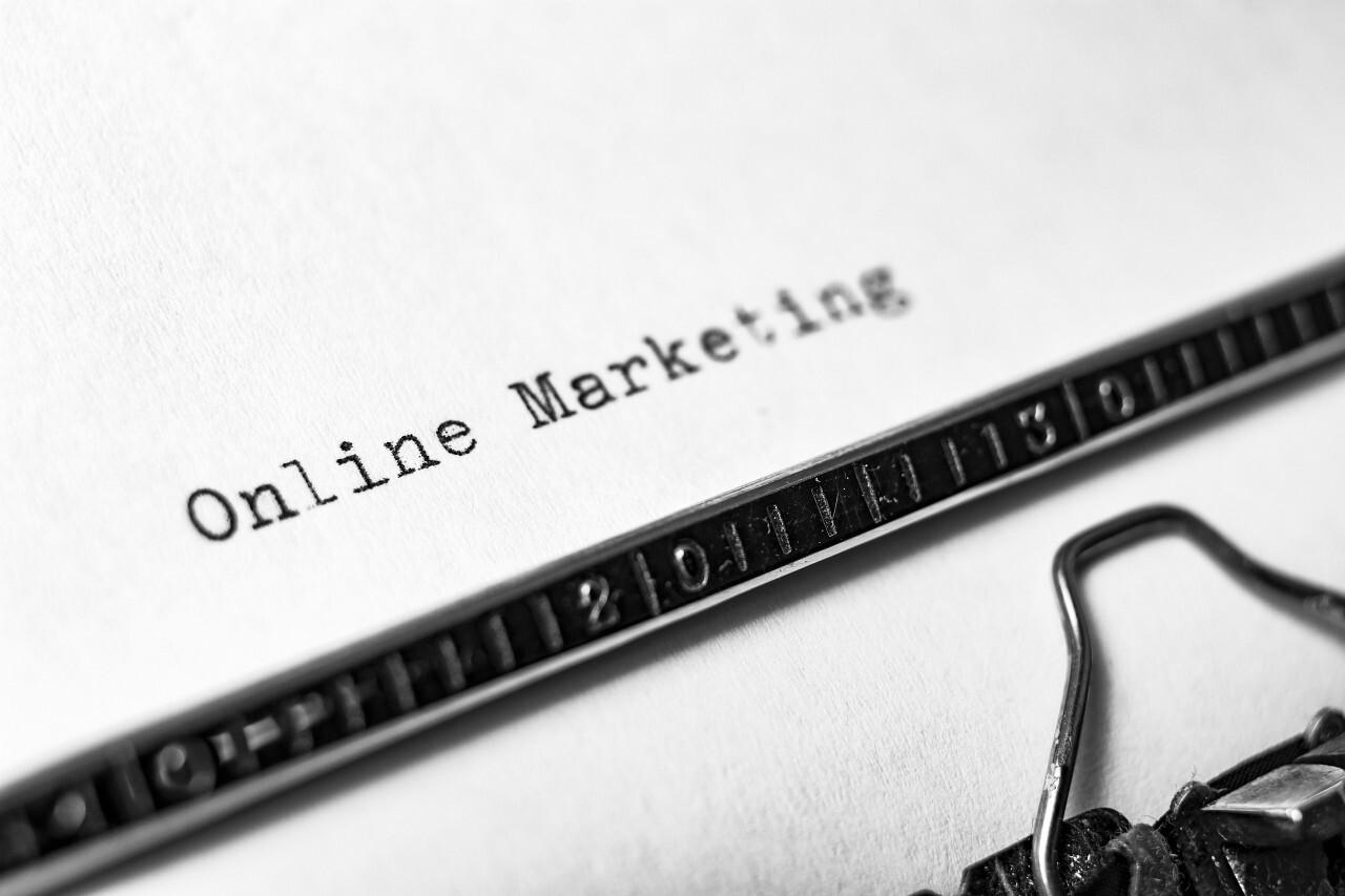 online marketing typewriter