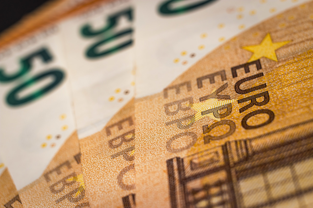 Background of 50 euro banknotes
