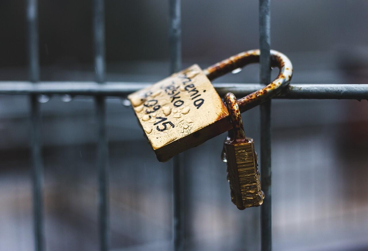 golden love padlock