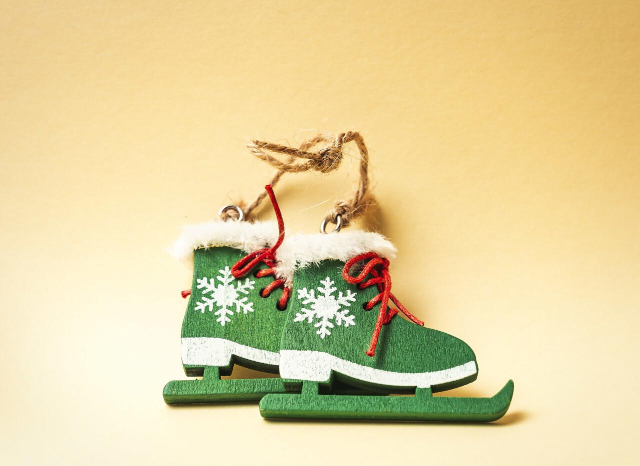 ice skates christmas tree decorations