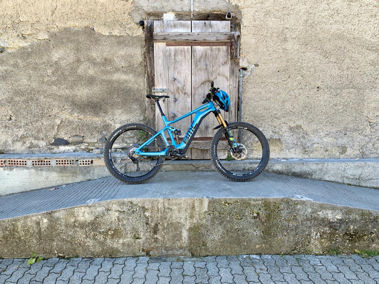 E-Bike on Wall