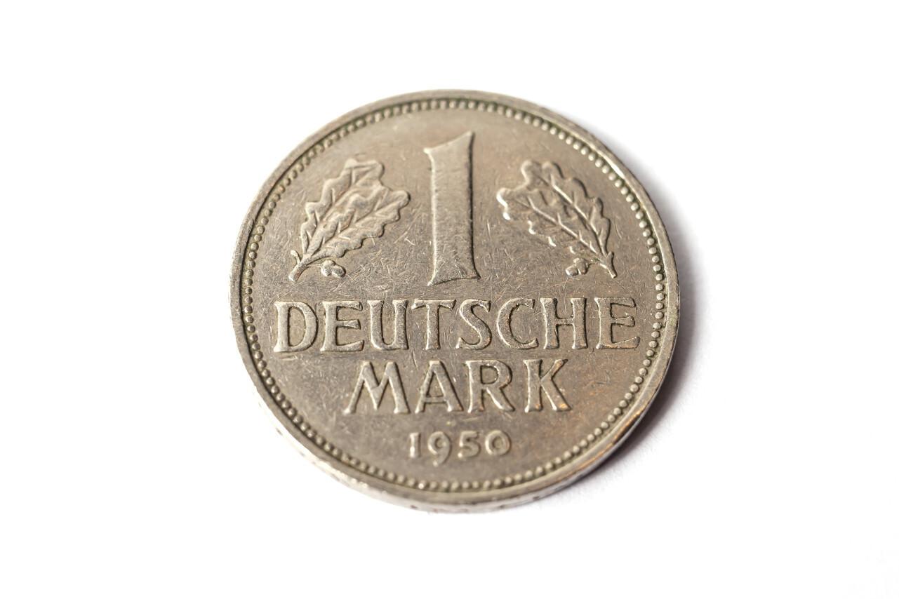 1 Deutsche Mark isolated on white background