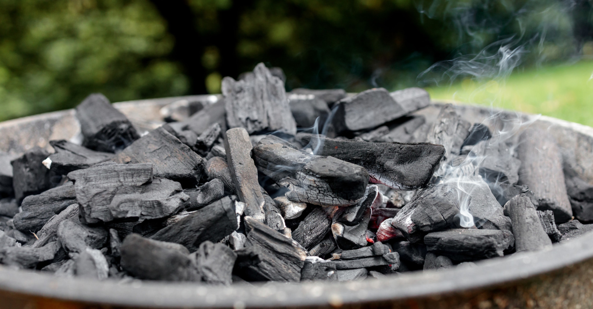 Light barbecue coal