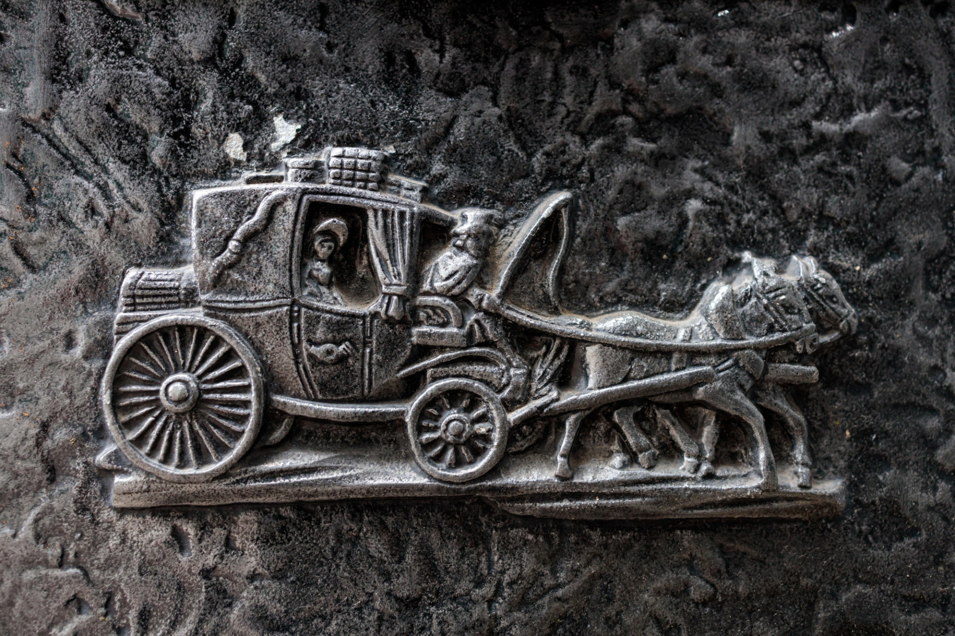Stagecoach metal symbol