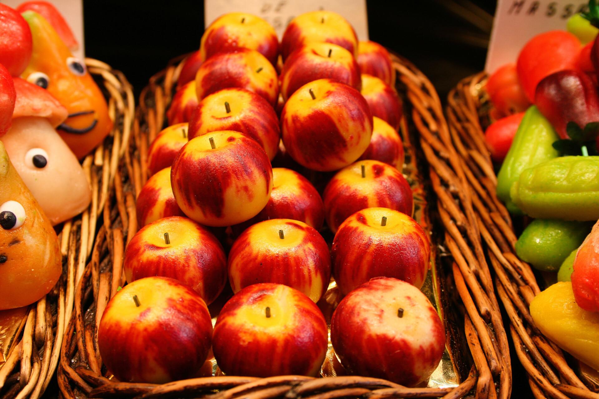 marzipan apple