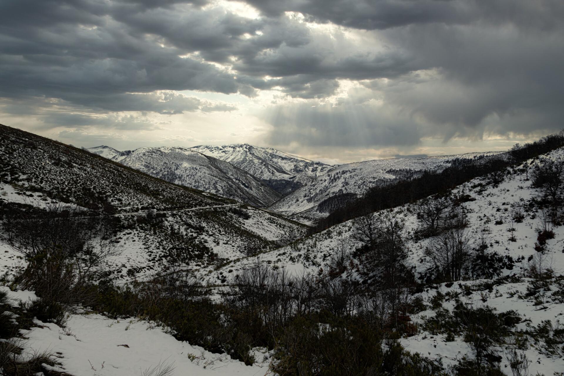 Posada de Valdeón Mountain Landscape