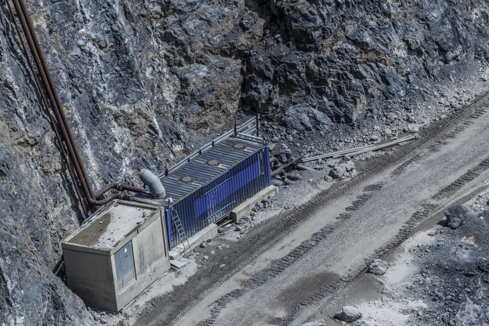 Container in a quarry