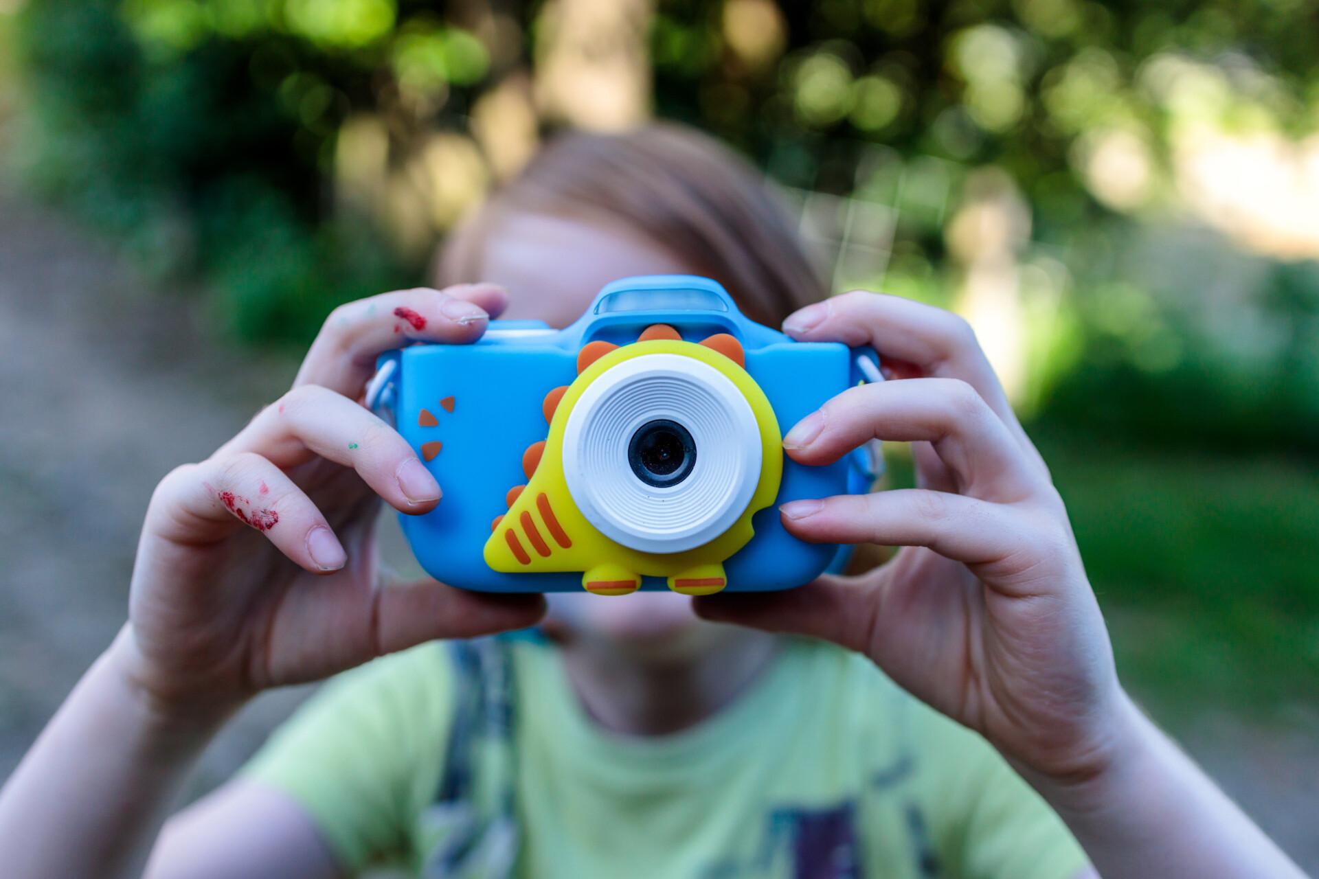Child takes photos