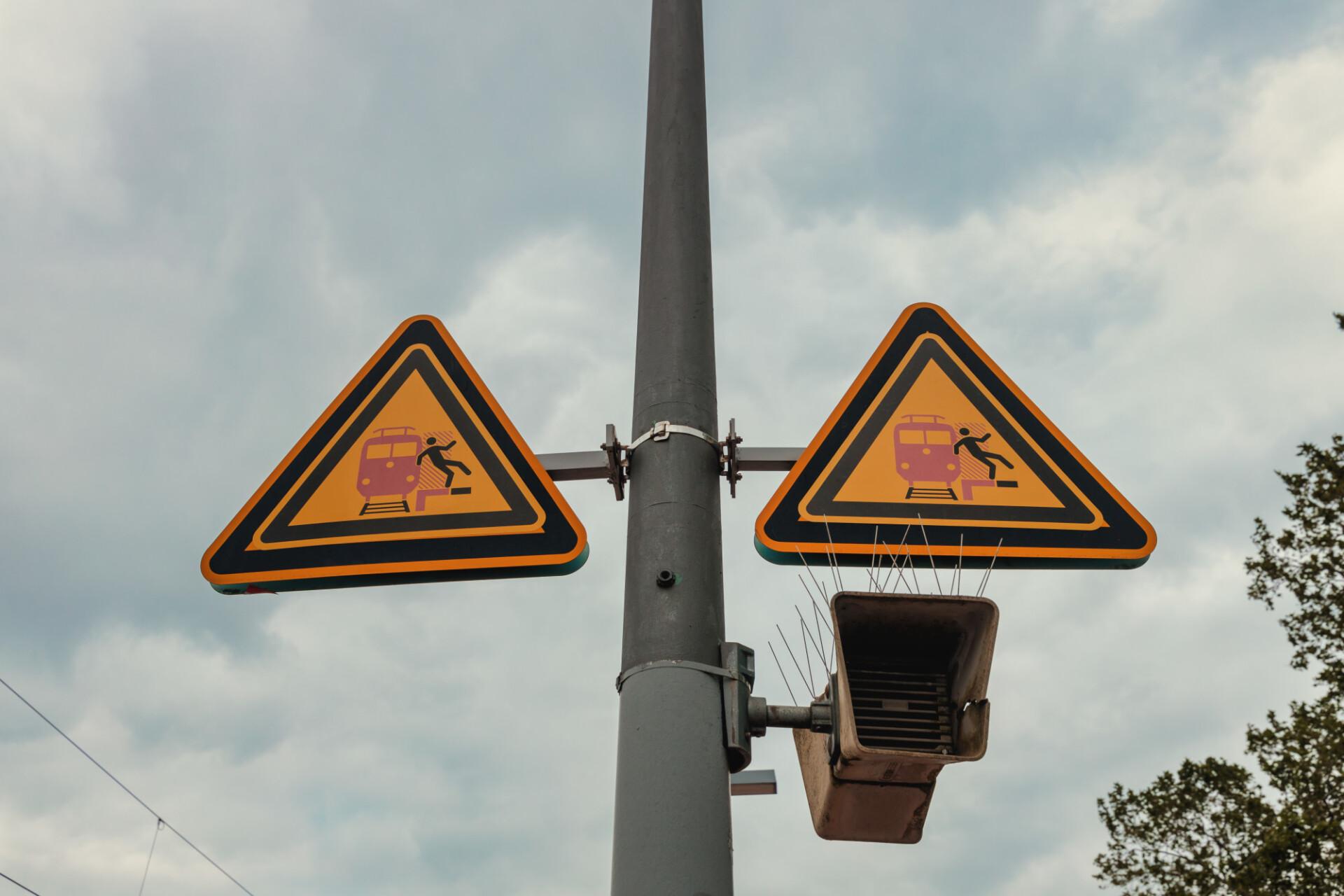 Warning sign railway