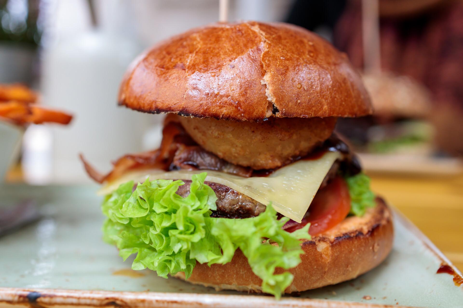 Hamburger with brioche bun