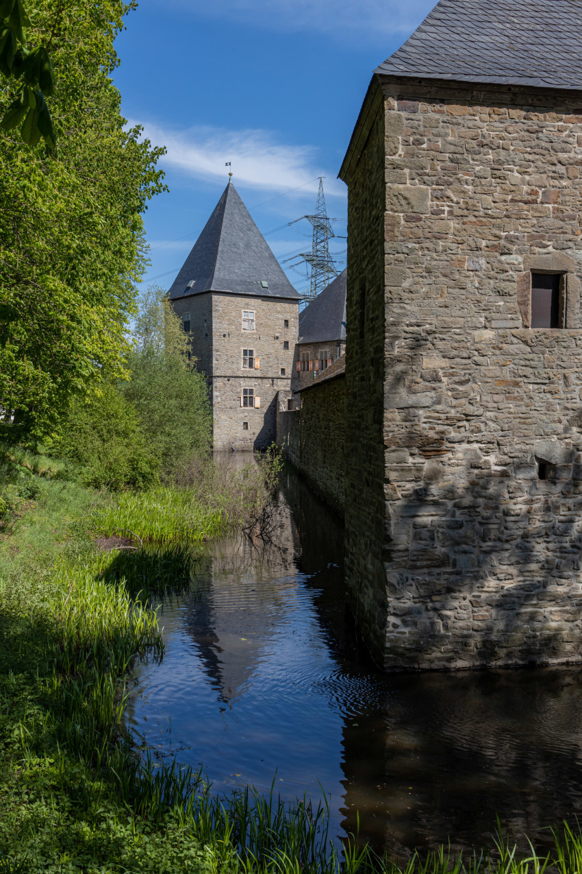 Haus Kemnade - Castle with moat in Germany
