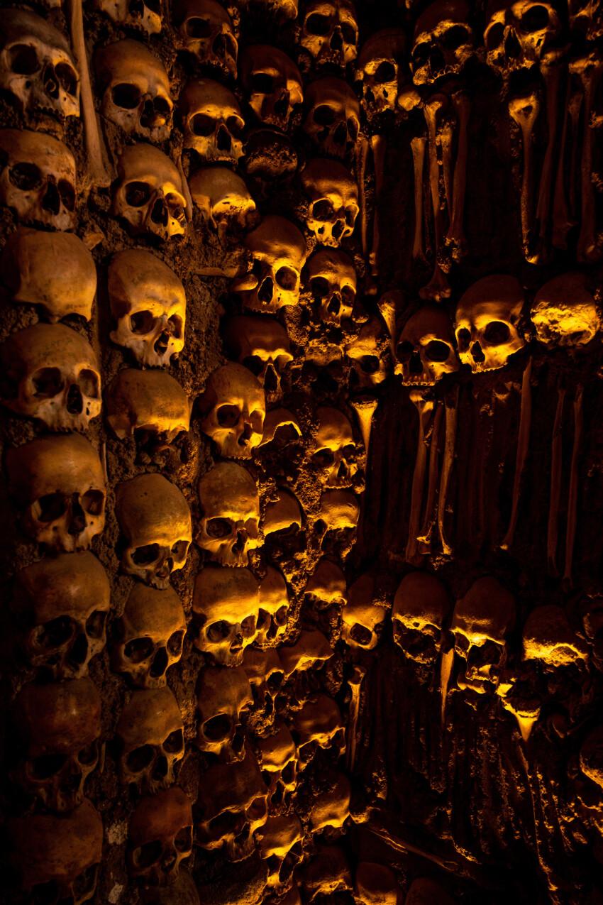 capella dos ossos - Wall made of human bones