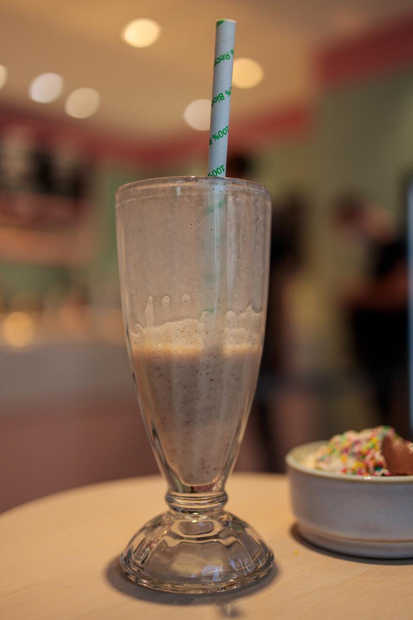 Vanilla banana milkshake