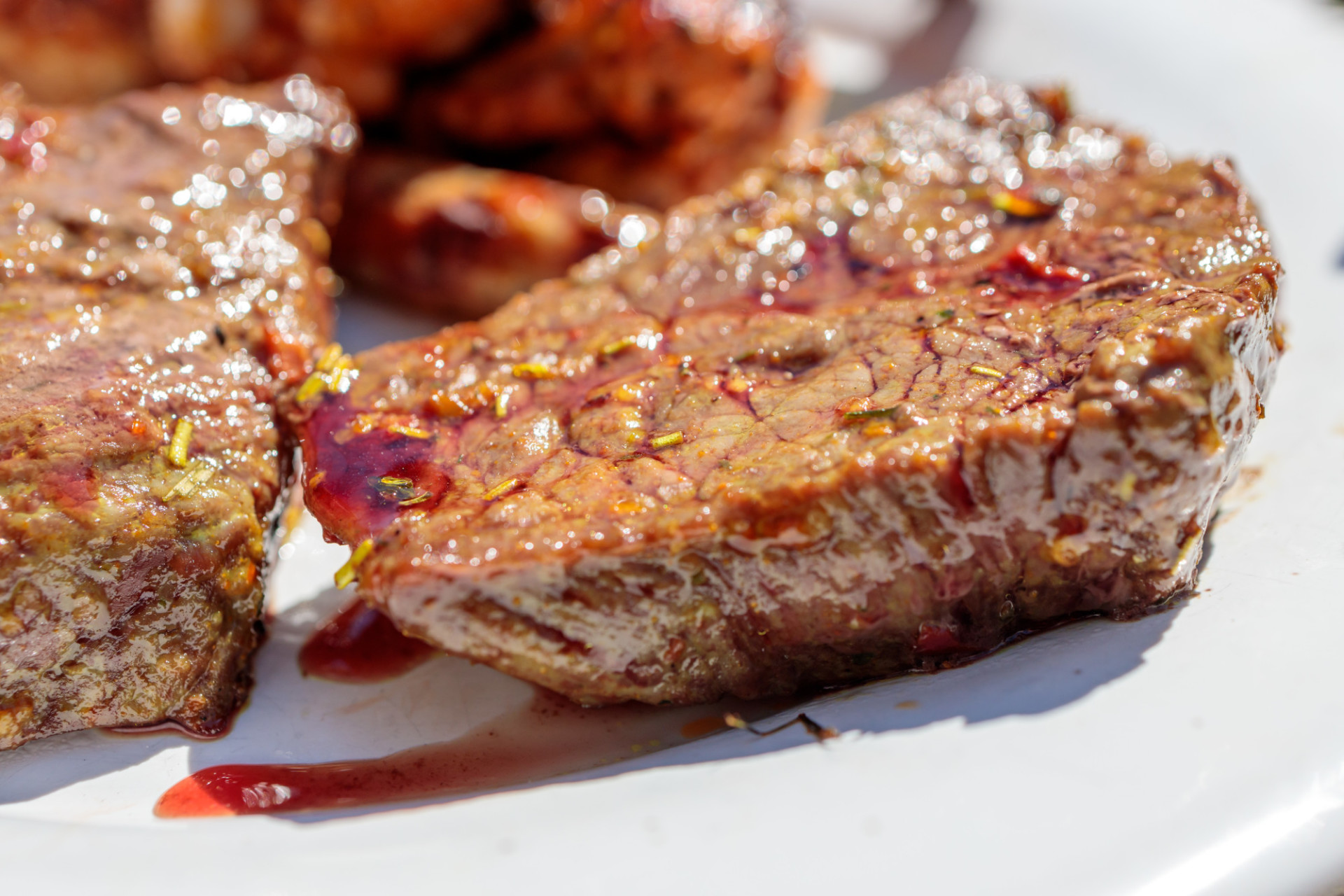 Juicy steaks from the grill