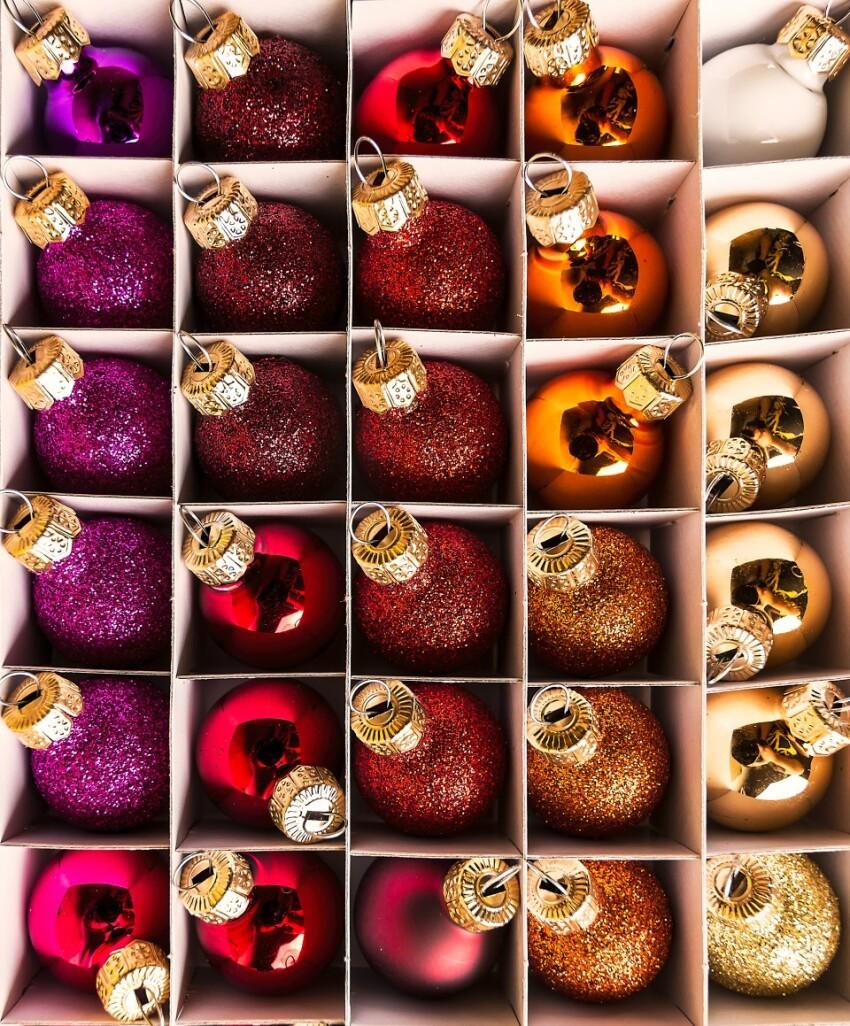 christmas balls in the carton